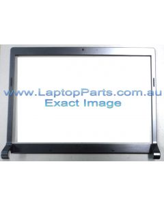 Dell Studio 1535 1536 1537 LCD Front Bezel 0M135C